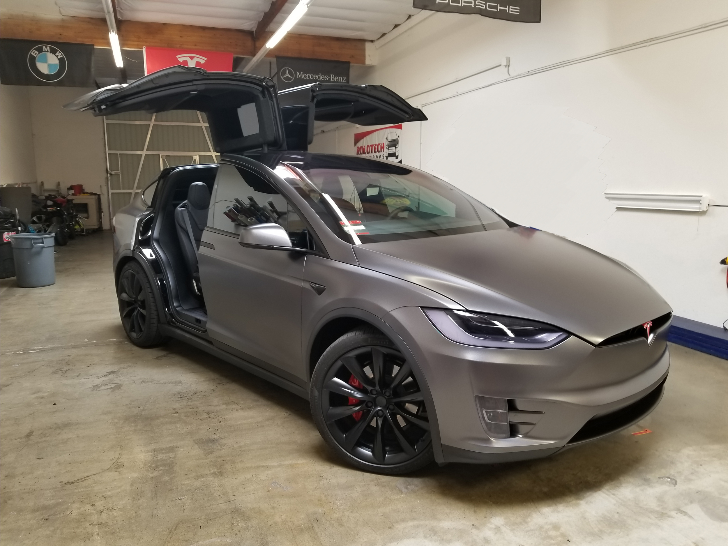 Tesla Model X Chrome blackout and full wrap - Rolotech